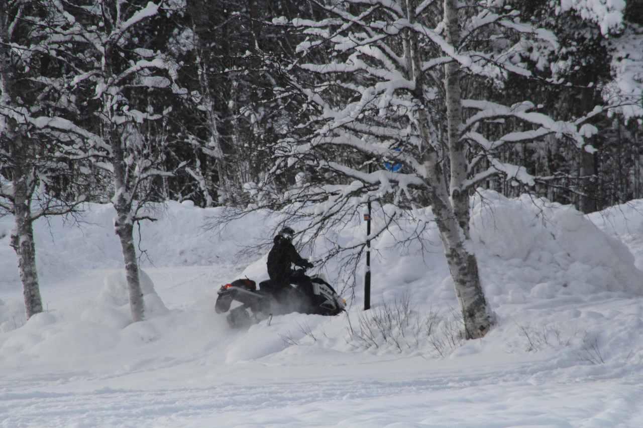 Schneemobil Schweden